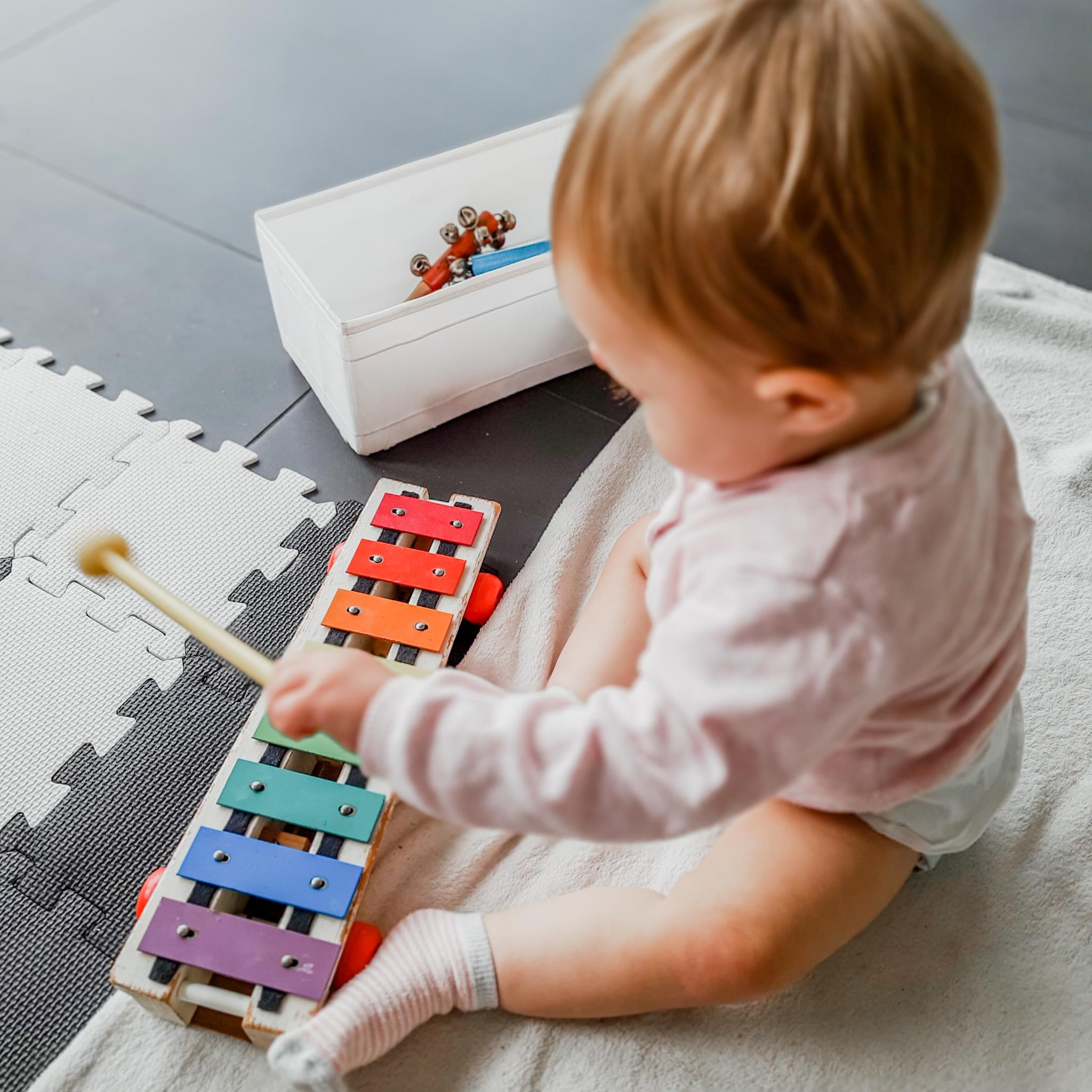 Muziek maken – baby week 45
