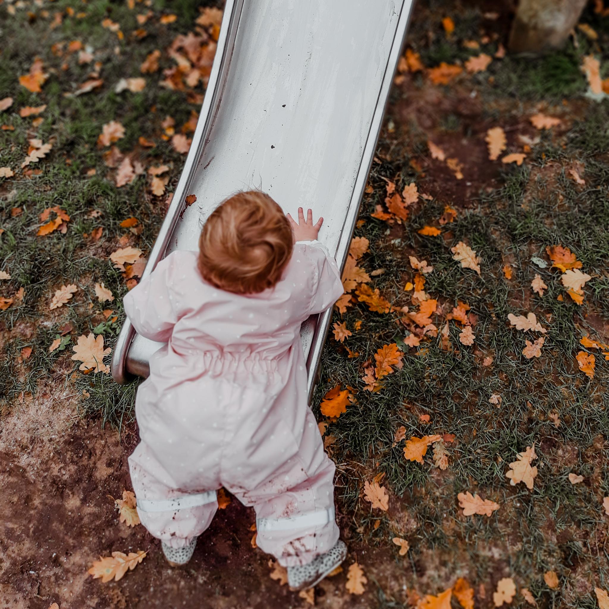 Buiten op ontdekking – baby week 51